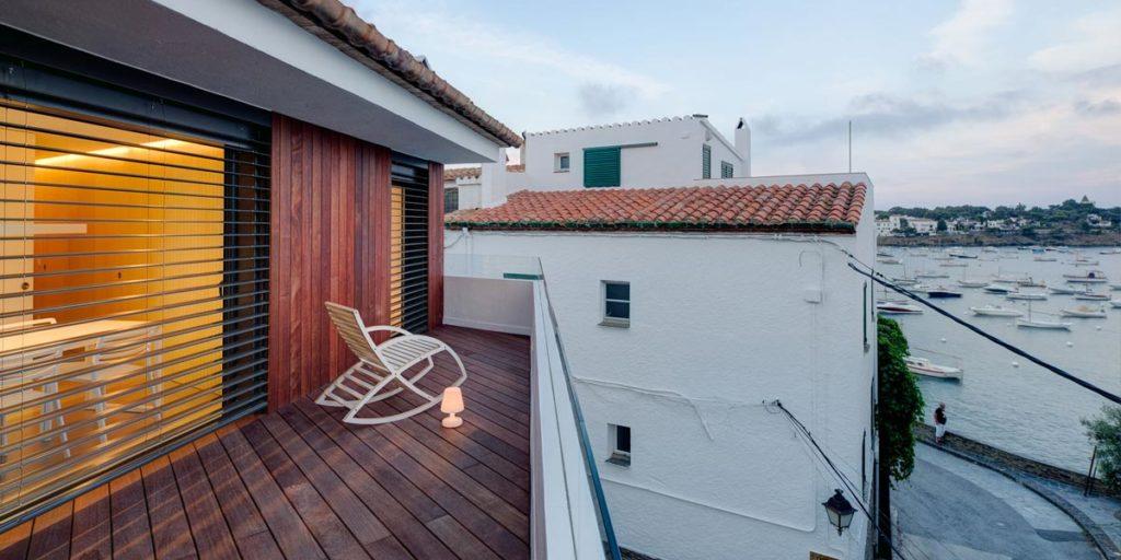 Carpintería de aluminio para las terrazas de un apartamento