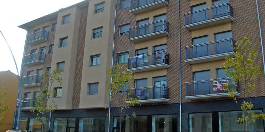 Cerramientos aluminio edificio de viviendas