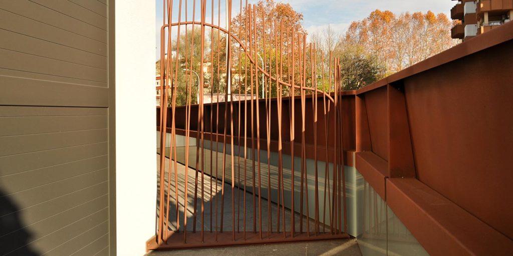 Separador de balcó de l'Hotel Estació Olot