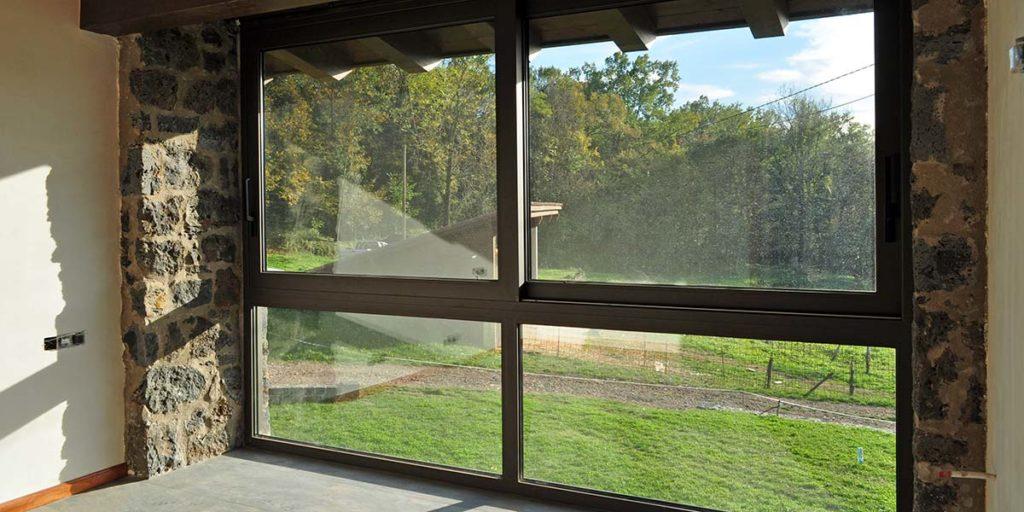 Carpintería de aluminio de ventanales
