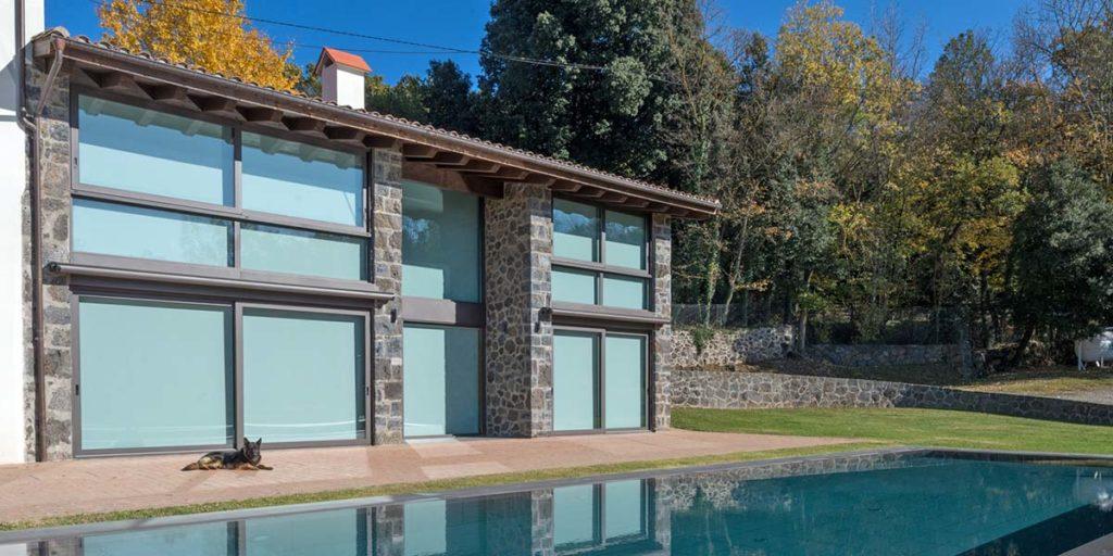 Carpintería de aluminio de puertas correderas y ventanales