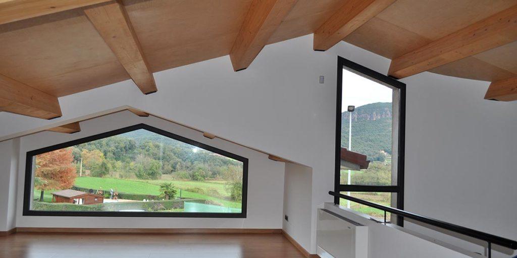 Tancaments d'alumini de finestres i finestrals