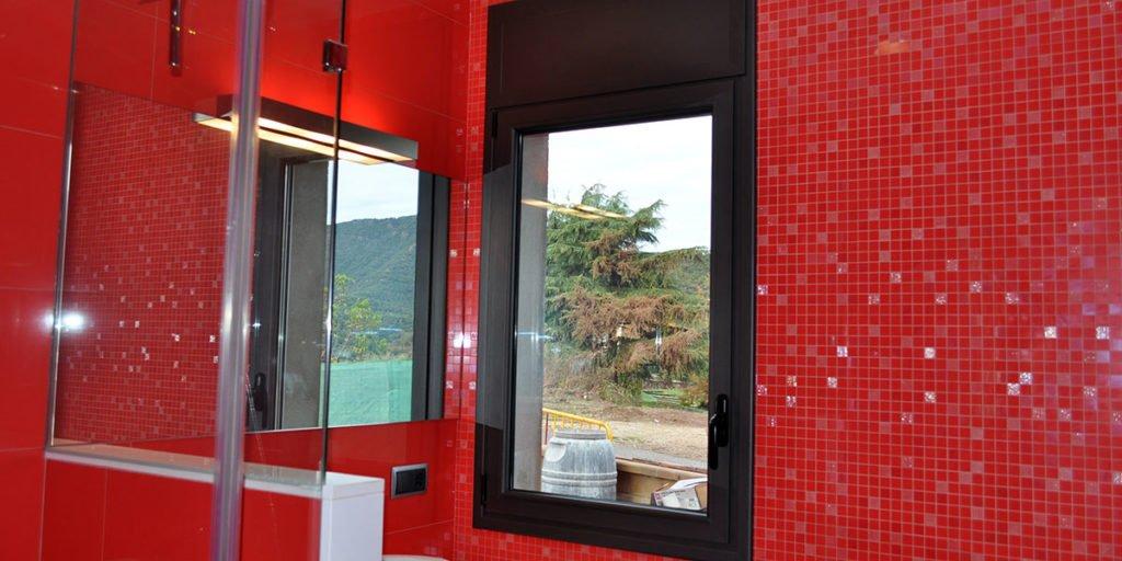 Tancaments de finestres del bany